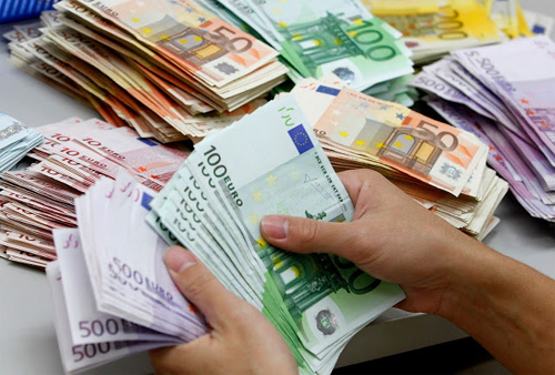 Qual é o limite de dinheiro para levar à Europa?